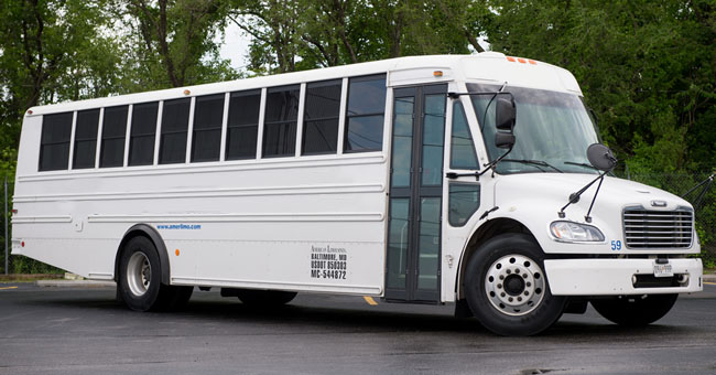 exterior image of white shuttle bus on Bel Aire Limousine website